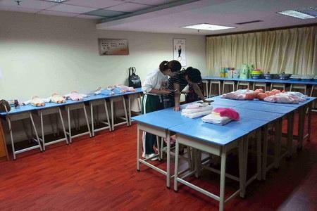 广州市母婴护理师价格一览表,荔湾区住家月嫂报价,母婴家政