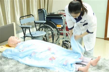 荔湾区养老护理师价格一览表,荔湾区养老护理师价格一览表,母婴家政