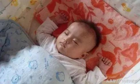 教你如何做到不抱不哄,一步一步让宝宝自己入睡!