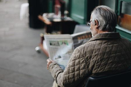 找照顾痴呆的老年人,要具备什么技能?广州居家养老照护员